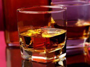Алкогольні напої: з чим п`ють віскі