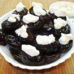 Чорнослив з горіхами в вині - оригінальне десертне блюдо