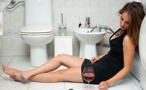 Що робити якщо сильно нудить після п`янки?