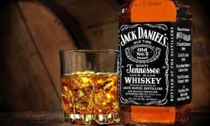 Що краще коньяк або віскі, в чому особливості напоїв?