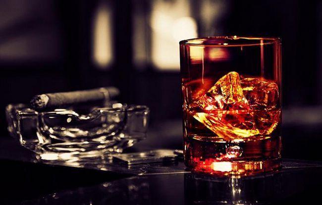 Що шкідливіше - горілка або вино?