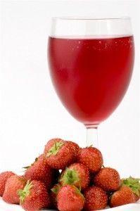 Домашнє вино з полуниці