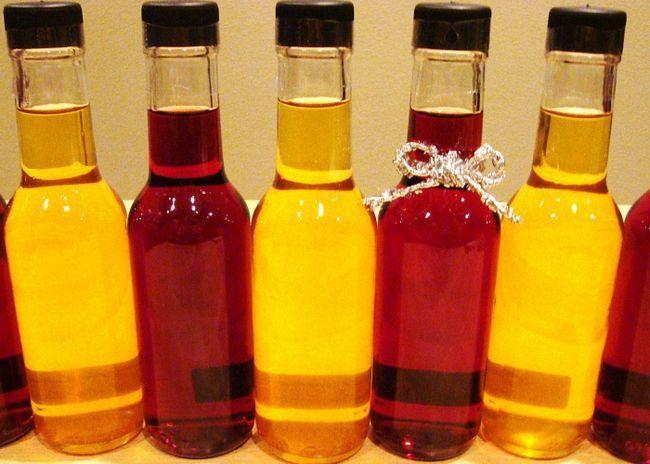Вино проціджуємо фільтруємо і наливаємо в пляшки