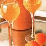 домашній абрикосовий лікер