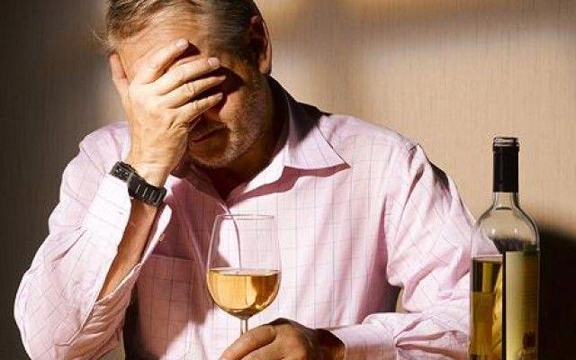 Де отримати допомогу алкоголезалежним безкоштовно?