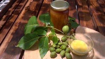 Готуємо настоянку з зеленого волоського горіха