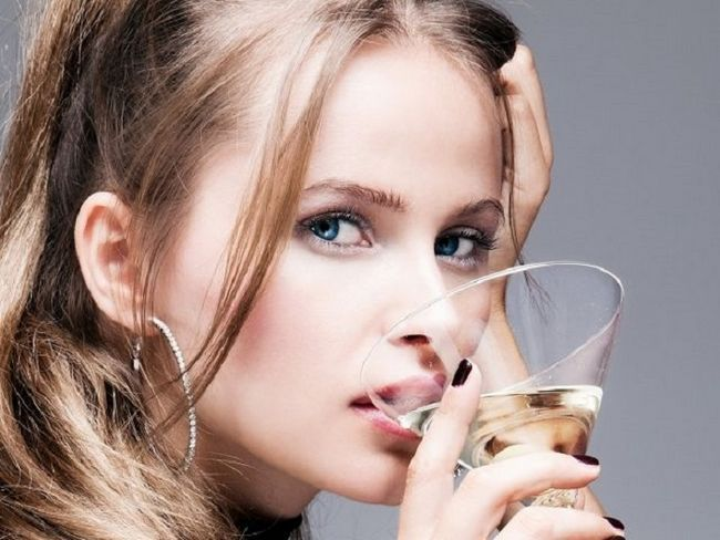Характер жінки з алкогольних напоїв