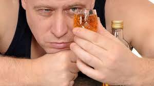 пити міцні алкогольні напої