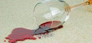 Як відіпрати пляму від вина