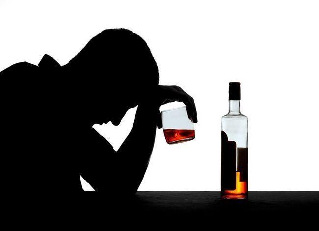 Як допомогти людині в стані запою?