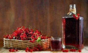 Як приготувати домашнє вино з червоної і чорної смородини