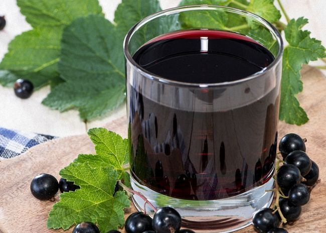 Смородинове вино зі свіжих ягід