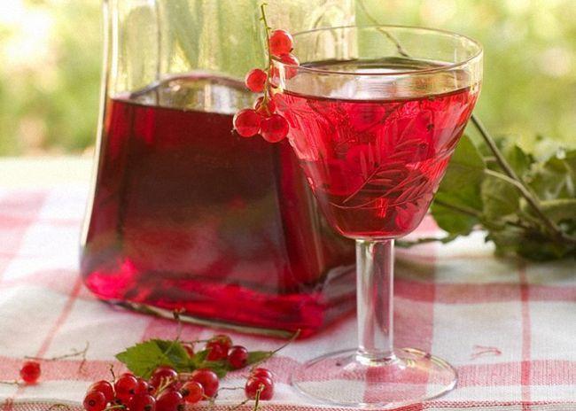 Вино з червоної смородини з горілкою