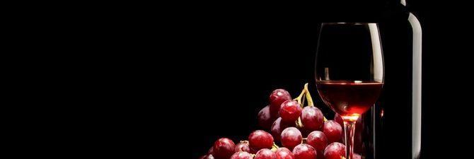Як впливає на організм червоне вино: користь і шкода напою