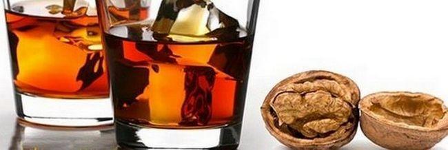 Коліться, греки! Як зробити настоянку з перегородок волоського горіха?