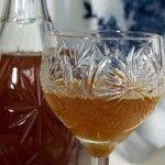Крамбамбуля - білоруська медова настоянка зі спеціями