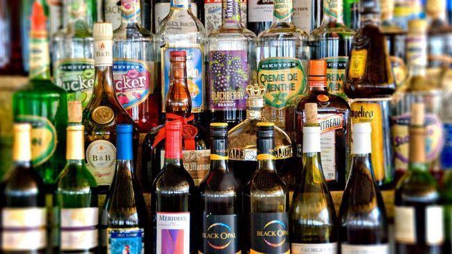 Чи можна пити алкоголь при вич?