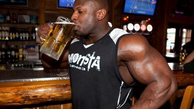 Чи можна пити протеїн і алкоголь?