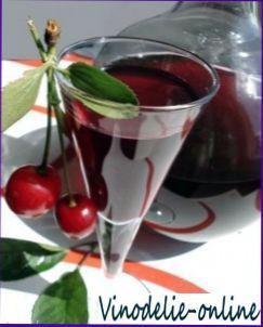 Наливка «українська» вишнева