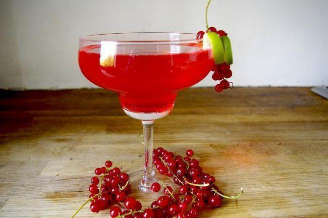 вино з чорної смородини в домашніх умовах рецепт, вино з червоної смородини в домашніх умовах рецепт, вино зі смородини в домашніх умовах простий крок за кроком рецепт