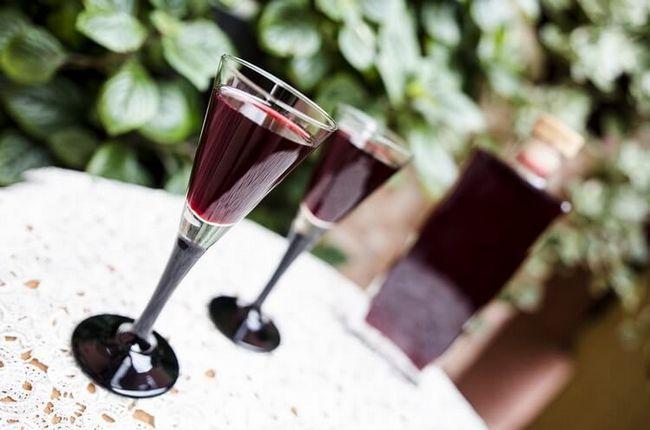 Чи не чачою єдиної! Настоянки з винограду на горілці і «антипохмільний» виноградна настоянка