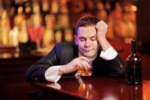 Причини алкоголізму: чому чоловік п`є?