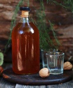 Рецепт і застосування горілчаної настойки з волоських горіхів