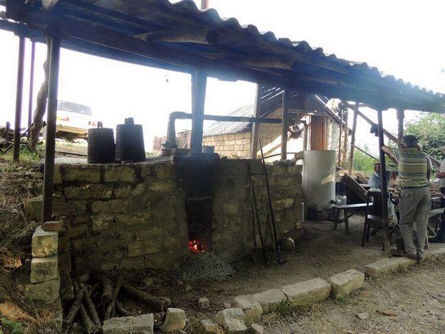 Виробництво тутової горілки в Арцах - Нагірний Карабах