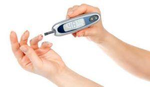 При лікуванні обов`язково стежити за рівнем цукру в крові