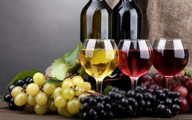 Скільки червоного і білого вина можна пити в день?