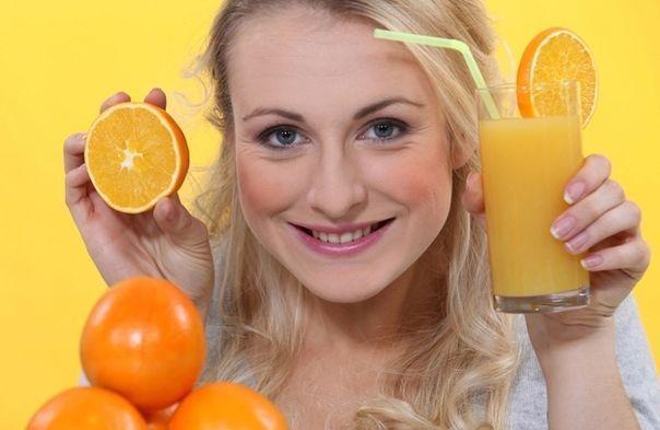 Сік з 4 стиглих апельсинів: простий рецепт корисного напою