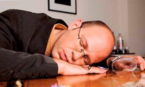 Стан алкогольного сп`яніння на робочому місці: експертиза, акт і покарання