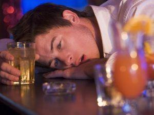 Поради та рекомендації: як допомогти алкоголіку кинути пити