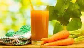 Свіжовичавлений морквяний сік