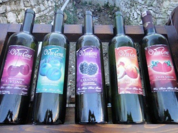 Пляшки з вином