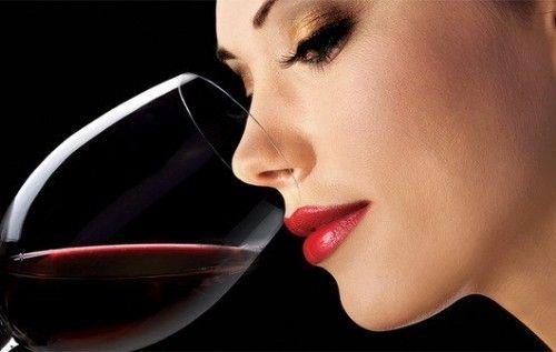 У чому шкода алкоголю для жінок