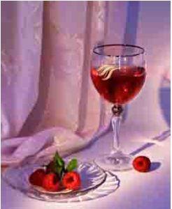 Чудове вино з малини по домашньому рецепту