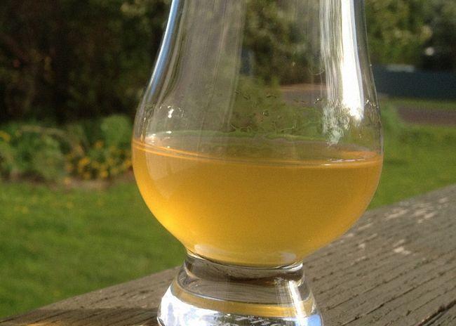 Абрикосова вино без додавання води