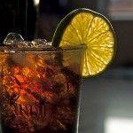 Горілка з колою - забійне поєднання американського та російського напоїв